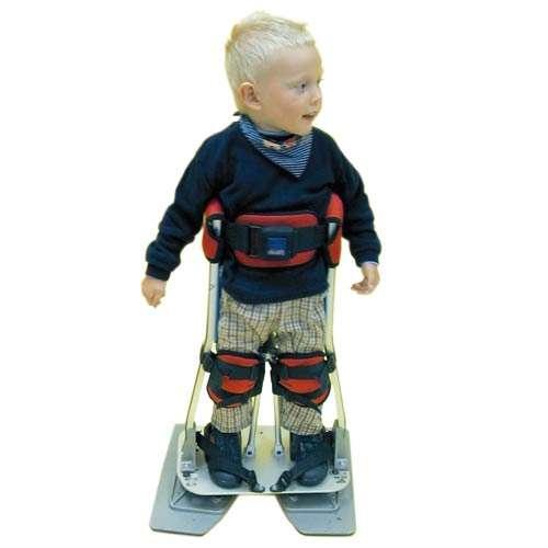 Die Mobilitätshilfe (Geh-Orthese) SwivelWalker schenkt Kindern, die ihr Körpergewicht nicht auf den eigenen Beinen tragen können, die Fähigkeit zu laufen.